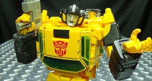 MP-39 Masterpiece SUNSTREAKER: EmGo's Transformers Reviews N' Stuff