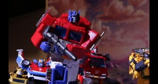 Takara Tomy's Transformers Masterpiece Optimus Prime MP44 review