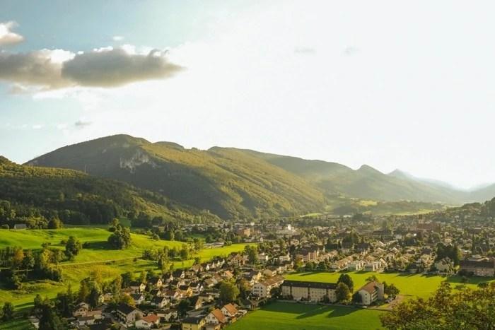 Kreativer Hochzitsfotograf in Schweiz Burg Neu-Falkenstein-100001-8