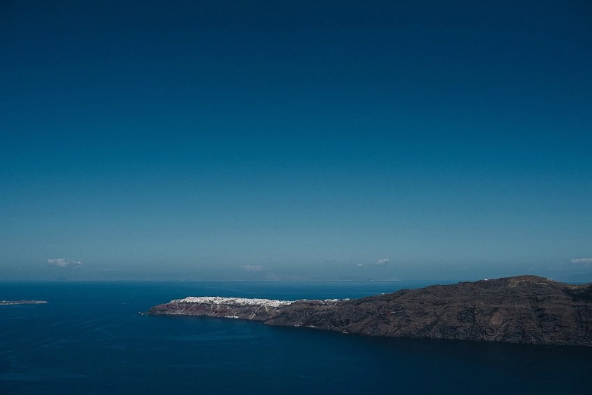 santorini-engagement-photography-elopement-wedding-photographer_0033