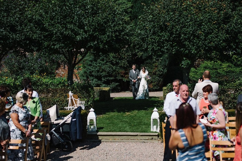 Larchfield_Estate_Wedding_0030.jpg