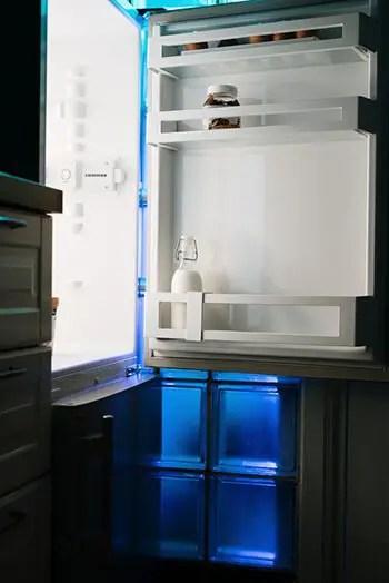 deodorize refrigerator by using apple cider vinegar