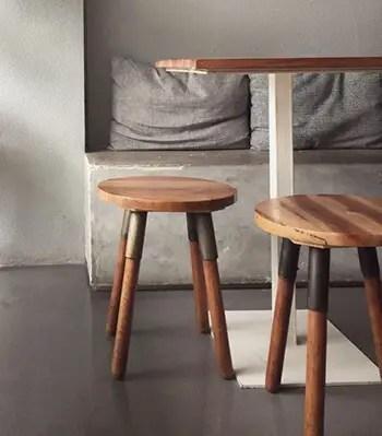 renew wood surfaces using tea bag