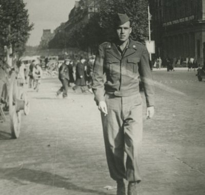 Dad_1947_Paris_Straight