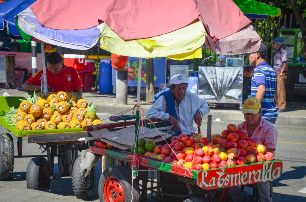 Colombia fruit stand (1 of 1)