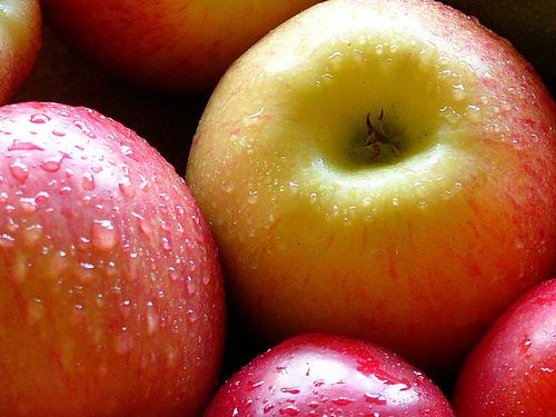 Verrine à la crème aux pommes et raisins secs