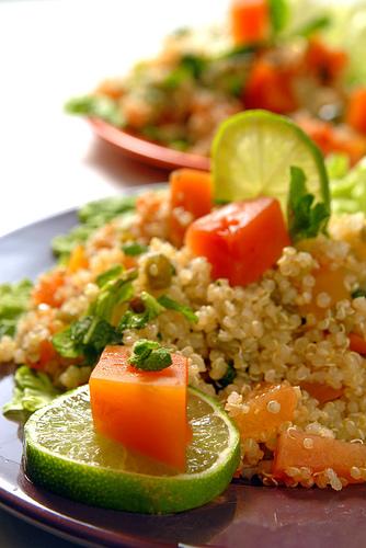 Salade de quinoa aux petites carottes et aux oranges