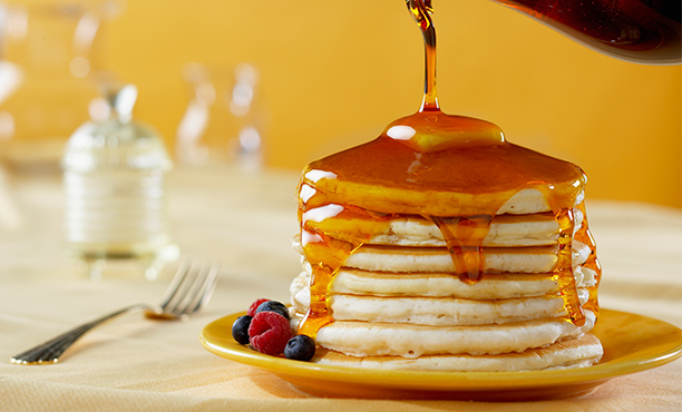 Bilderesultat for pancakes with syrup