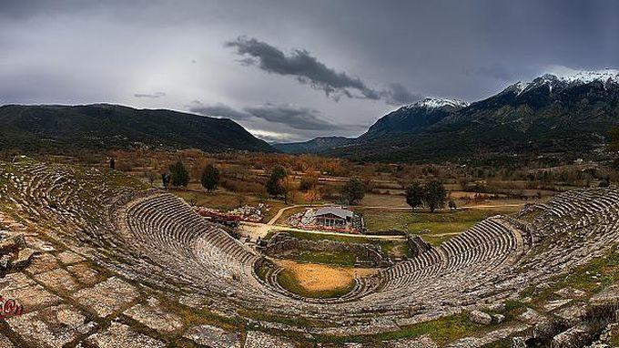 Ο Μεγάλος Ερωτικός και η πανσέληνος του Αυγούστου στην Αρχαία Δωδώνη -  EpirusNow.gr