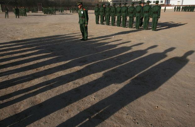 Militares chineses expurgados são humilhados na televisão estatal