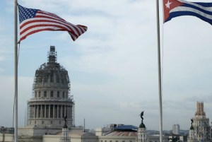 EUA expulsa 15 diplomatas cubanos da embaixada em Washington (Chip Somodevilla/Getty Images)