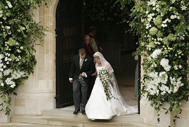 Das Hochzeitspaar Peter Phillips und Autumn nach der Trauung in der St. Georgs-Kapelle. (Sang Tan/AFP/Getty Images)