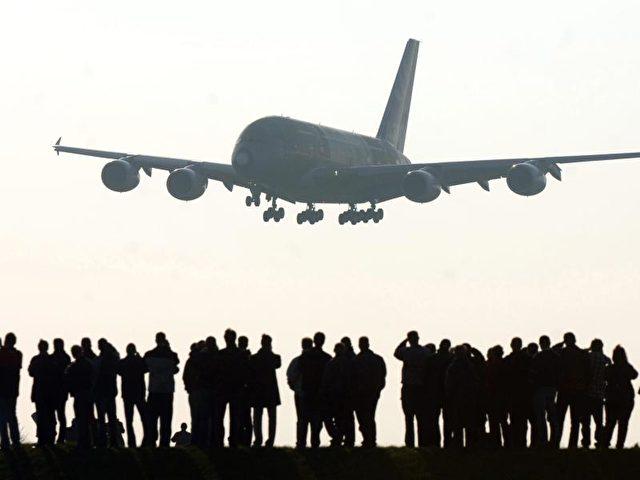 Wachstumstreiber der Branche ist die zivile Luftfahrt - bei Militärflugzeugen sieht es schlechter aus. Foto: Kay Nietfeld/Archiv/dpa