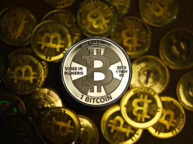 Der Kurs der Digitalwährung Bitcoin hat sich nach dem Einbruch weider gefangen. Foto: Jens Kalaene/dpa