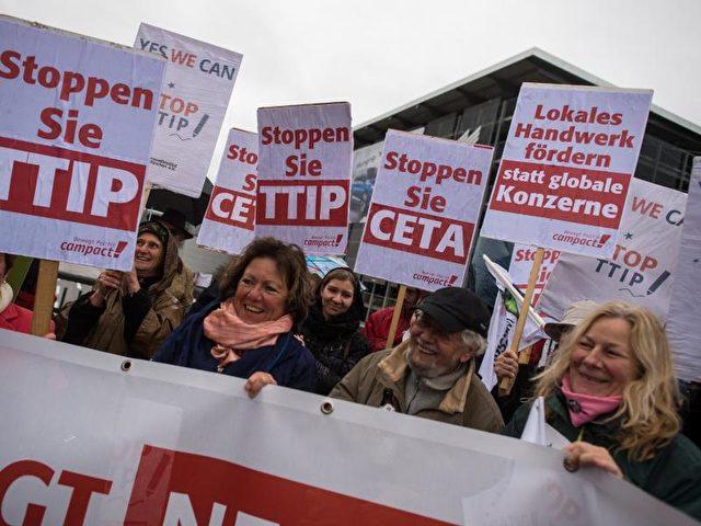Die SPD-Generalsekretärin wirft der Union mangelnden Einsatz für TTIP vor. Foto: Matthias Balk/dpa