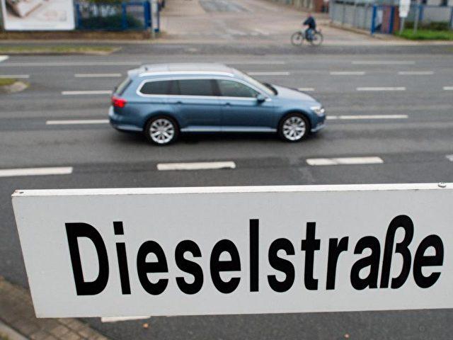 Die Preise für VW-Diesel-Gebrauchtwagen sind derzeit trotz des Abgasskandals stabil. Foto: Julian Stratenschulte/Symbolbild/dpa