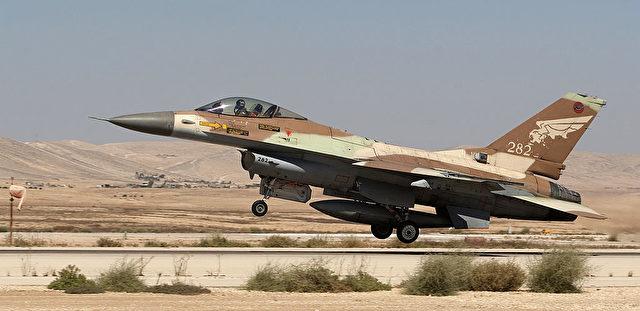Israelisches Kampfflugzeug. Foto: JACK GUEZ/AFP/Getty Images