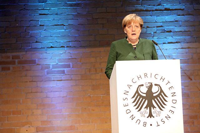 Kanzlerin Angela Merkel hält eine Rede auf 60-Jahresfeier des BND. 28. November 2016. Foto: Mika Schmidt - Pool/Getty Images
