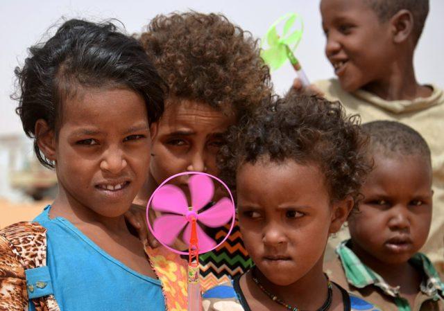 Flüchtlingskinder (Symbolbild). Foto: BOUREIMA HAMA/AFP/Getty Images