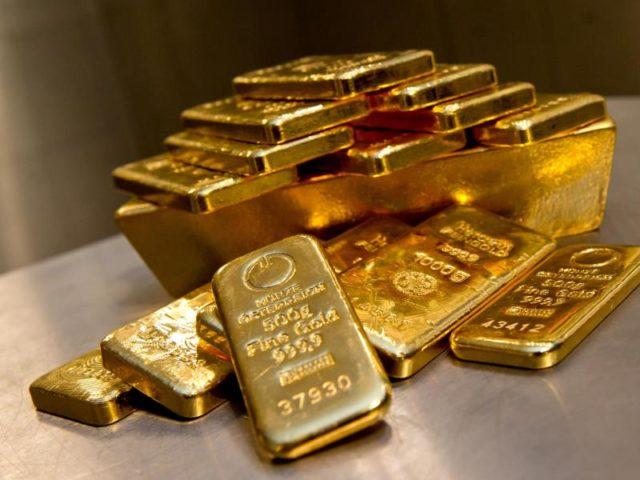 Gold gilt in turbulenten Zeiten als sicherer Hafen. Zudem werfen Anlagen wie Sparbuch oder Tagesgeld wegen der extrem niedrigen Zinsen kaum noch etwas ab. Foto: Sven Hoppe/dpa