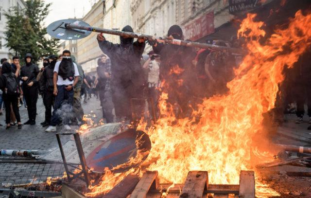 Linksradikale terrorisieren Hamburg. Foto: Getty Images