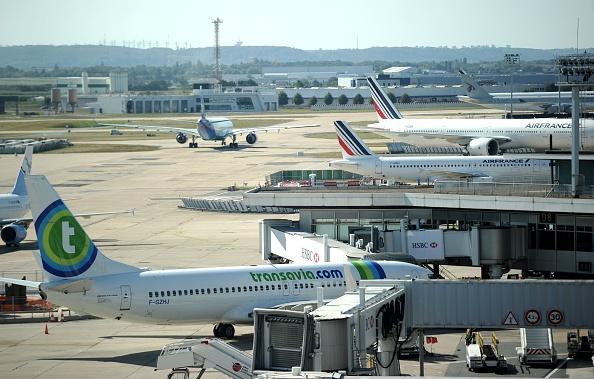 Privatisation des Aéroports de Paris: la transaction très lucrative sera faite par un soutien d'Emmanuel Macron à la présidentielle
