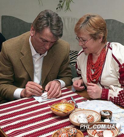Виктор Ющенко во время посещения Музея писанки в г. Коломыя Ивано-Франковской области 4 января 2007 г. Фото: Лазаренко Николай/ http://phl.com.ua