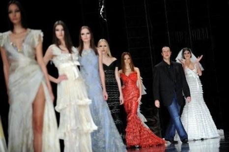 Коллекция женской одежды от ливанского дизайнера Тони Уорд (Tony Wards), представленная 31 января на показе мод в Риме. Фото: FILIPPO MONTEFORTE /AFP /Getty Images