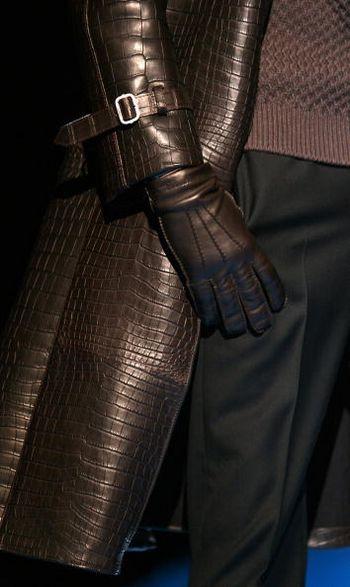 Коллекция мужской одежды представленная на показе мод в Доме моды Джанни Версаче в Милане.Фото: GIUSEPPE CACACE /AFP /Getty Images