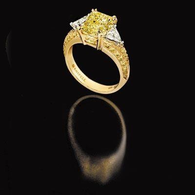 Перстни с цветными алмазами. Фото: epochtimes.com