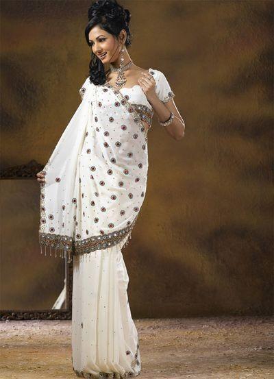 Сари - прошедший через века символ элегантности. Фото: aboluowang.com