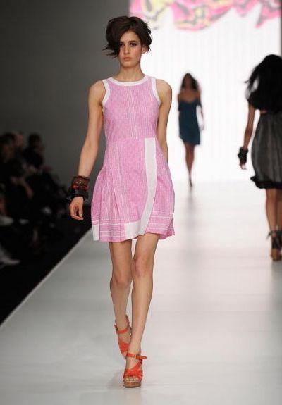 Коллекция одежды от дизайнера Leonard St. Фото: Gaye Gerard/Getty Images