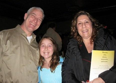 Дэвид Стал, мэр города East Brunswick, пришёл на шоу с семьёй