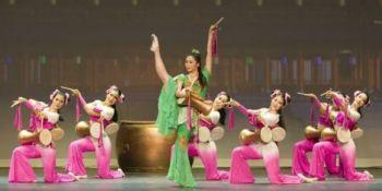 Представление труппы «Шень Юнь» («Божественное искусство») - красочное шоу, демонстрирующее традиционную китайскую культуру. Фото: Шень Юнь