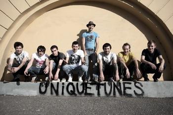 Участники группы «UNIQUETUNES». Фото: С сайта spbclub.ru