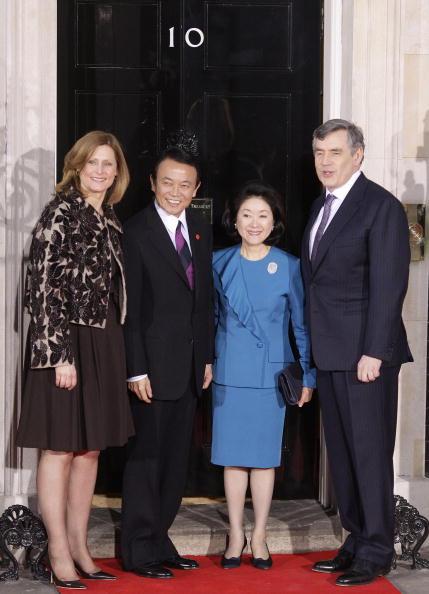 Премьер-министр Японии Таро Асо с женой Chikako. Фото: AFP/Getty Images