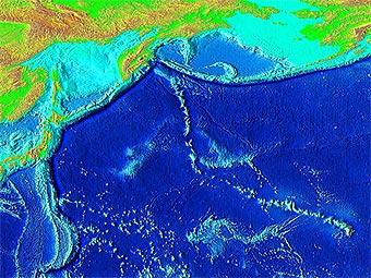 Горная цепь, тянущаяся к северо-западу от Гавайских островов. Фото пользователя Interiot с сайта wikipedia.org