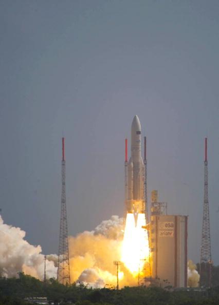 Ракета Ariane-5 вывела на орбиту два спутника. Фото: S.Corvaja/ESA via Getty Images