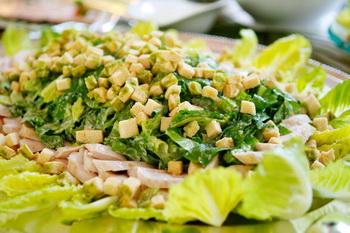 Здоровое питание - невероятный салат. Фото: Michael Buckner/Getty Images