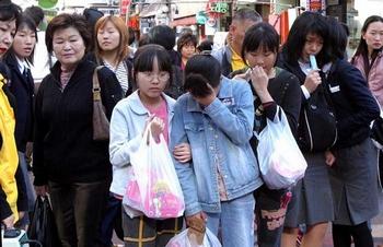 Рай и ад. Сострадание. Фото с сайта  minghui.ca