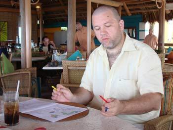Когда в руках карандаши,на стакан с виски-колой не обращаешь внимание... Фото предоставлено   пресс-службой депутата МО