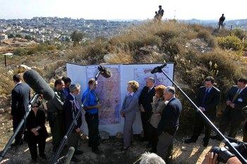Строительство на оккупированных землях считается незаконным с точки зрения международного права, хотя Израиль не согласен с такой формулировкой. Фото: David Silverman/Getty Images
