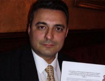 Испанский адвокат Карлос Иглесиас. Фото с theepochtimes.com