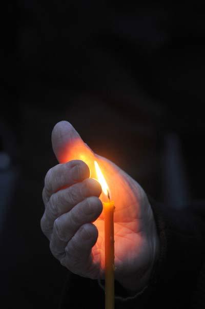 На Украине прошли мероприятия, приуроченные ко Дню памяти жертв Голодомора 1932-1933 годов. Фото: YURIY DYACHYSHYN/AFP/Getty Images