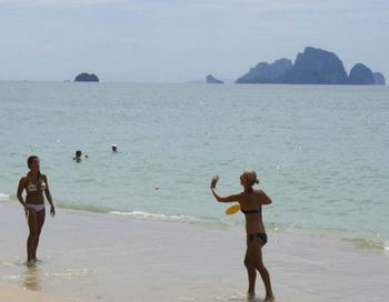 Таиланд: пляж Ао Нанг около Краби. Фото: Бернд Крегель