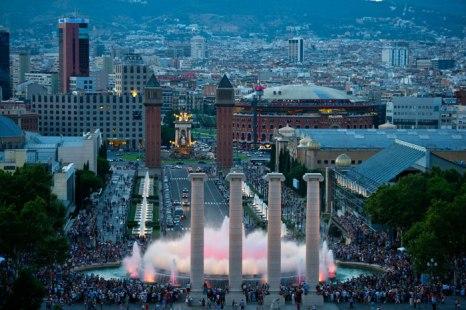 Поющие или, так называемые, волшебные фонтаны в Барселоне на горе Монтжуик. Фото: David Ramos/Getty Images