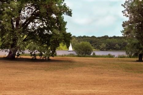 Озеро у дворца Цецилиенхофф. Фото: Ирина Рудская/ The Epoch Times