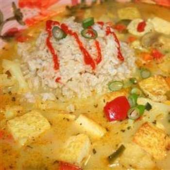 Вьетнамский вегетарианский суп с карри (кёри). Фото: allrecipes.com