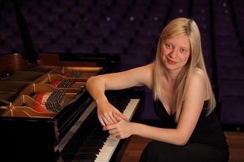 Одна из лучших пианисток в мире - Валентина Лисица. Фото с wikipedia.org