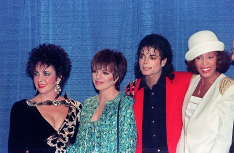 Элизабет Тейлор, Лайза Минелли, Майкл Джексон и Уитни Хьюстон. 1988 год, Нью-Йорк. Фото: MARK CARDWELL/AFP/Getty Images
